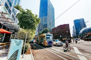South Lake Union Streetcar, August 2017. Photo: SDOT (CC BY-NC 2.0) https://www.flickr.com/photos/sdot_photos/36924152151/
